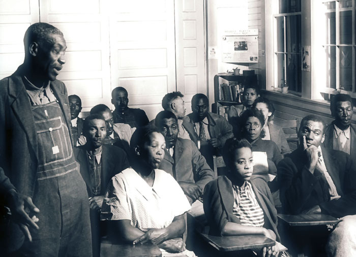 People's College, an adult education program founded in 1942 by Dr. Ira Reid of AU and taught by Center faculty<br />