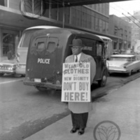Martin Luther King, Sr. walking picket line<br />