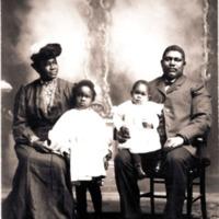 Rev. G.H. Gadson, Morehouse graduate; his wife Della Richardson, a Spelman graduate and children; Rome GA, 1909.<br />